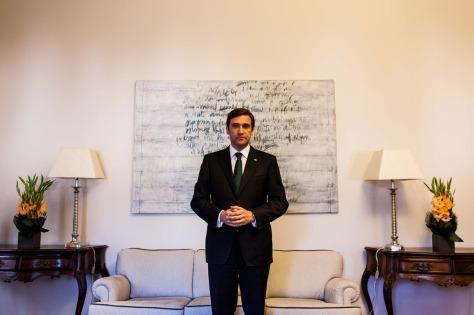 Passos Coelho no Palácio de S. BentoRUI GAUDÊNCIO-É assim que eu governo o país, tentativa e erro...
