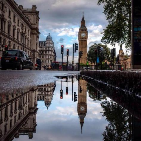 London Reflections. Amazing Pictures.