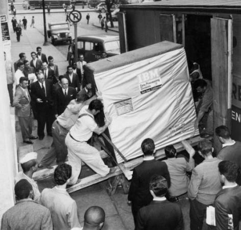 5 MB harddrive being shipped by IBM, 1956. History in Pictures.