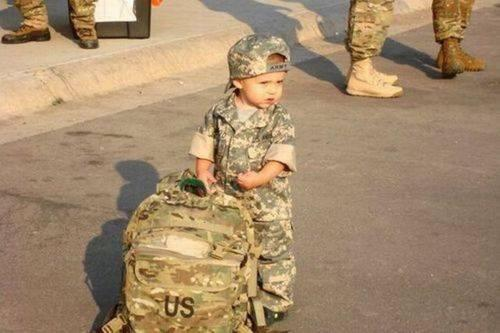 What every mother sees when she sends her son off to war. Amazing Pictures.