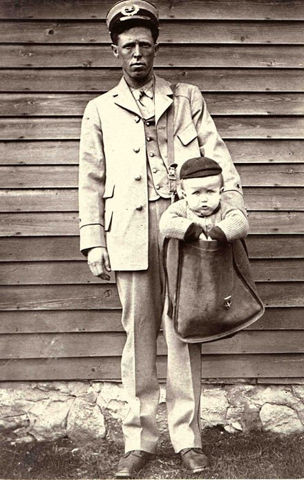 A legal loophole in 1913 made it possible to send babies by mail. These pics were taken after it was banned in 1920. Historical Pics.