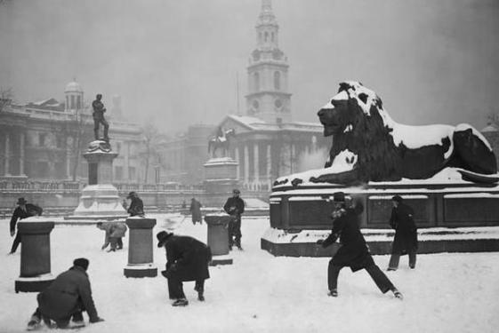 Snow fight in Trafalgar Square, London, 1931. Classic Pics.