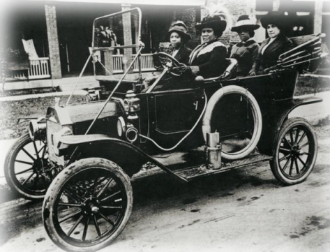 Madam C. J. Walker and friends, circa 1910s. She was the first self-made female millionaire in America. History in Pictures.