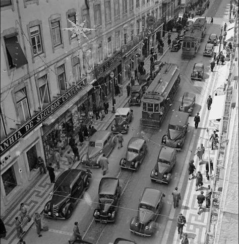 Natal nos anos 40 na Rua do Ouro em Lisboa. Facebook.