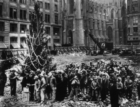 The very first Rockefeller Center Christmas tree, NYC 1931. History in Pictures.