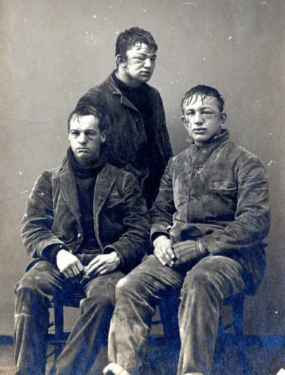 Princeton sophomores pose after a brutal snowball fight, 1893. Photograph from the Princeton University Archive. Histpry in Pictures.