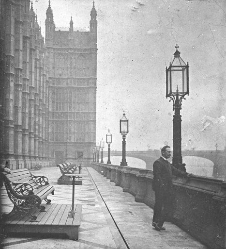 Terrace of the Houses of Parliament, c.1910, Old London. Old Pics Archive.