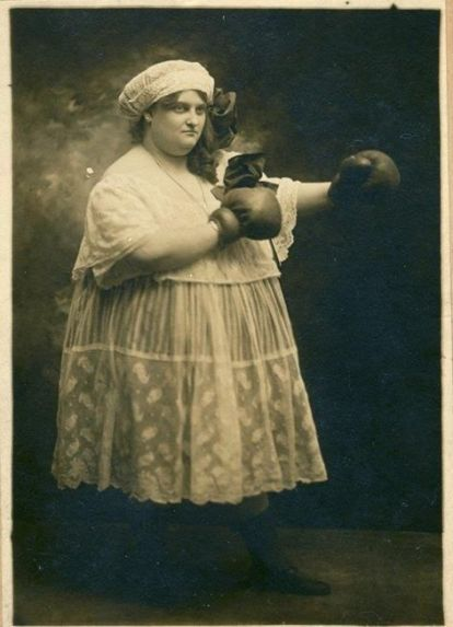 Winner-of-the-Most-Scary-Woman-in-the-UK-award-in-1883-was-Hattie-The-Mad-Hatter-Madders.Old Pics Archive.