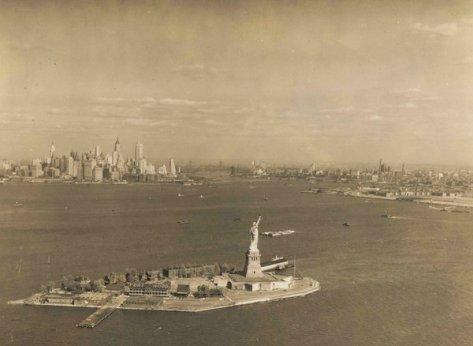 NY 1930. Old Pics Archive.