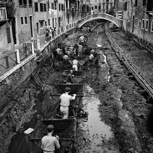 A canal being drained and cleaned in Venice, Italy, 1956. Historyin Pictures.