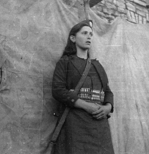 Partisan girl from Epirus, Greece, c.1941-1944. Old Pics Archive.