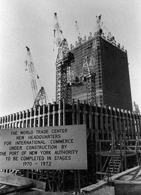 Building the World Trade Center – New York City, 1970. Old Pics Archive.