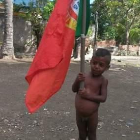 menino timorense hioje- foto P. Brinca.