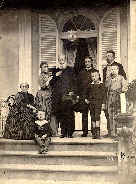 Última imagem da família imperial no Brasil, em 1889, pouco antes de seu exílio em Paris. Foto Otto Haes. Fotos de fatos.