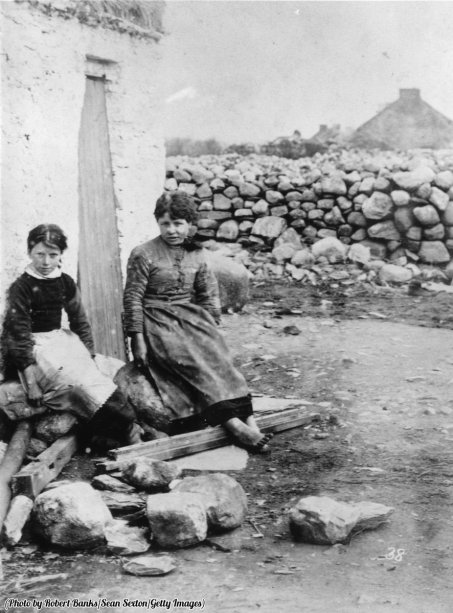 irish-girls-rose-and-grace-labelled-as-criminals-for-giving-food-to-an-old-man-evicted-for-not-paying-rent-1888-history-in-pictures