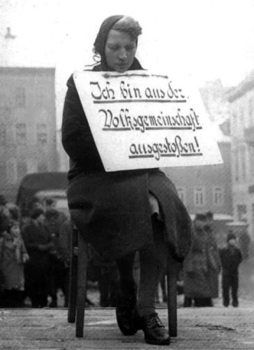 a-german-woman-facing-public-humiliation-because-of-a-romantic-affair-with-a-polish-man-1942-old-pics-archive