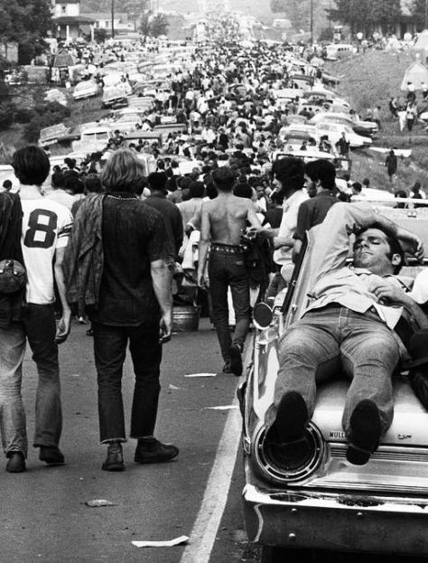 The road to Woodstock, 1969. History in Pictures.