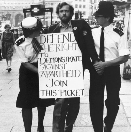 Jeremy Corbyn arrested after protesting agents Apartheid regime out side the South African Embassy in 1984. Historical Pics.