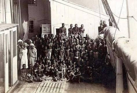 Possivelmente a única fotografia de um navio negreiro, feita por Marc Ferrez. Fotos de fatos.