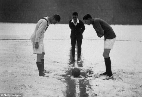 Manchester United vs Arsenal 1926. Mood Vintage.