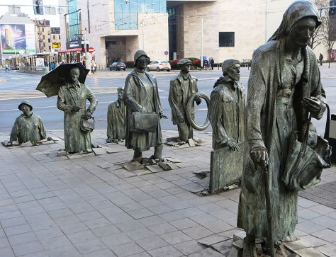 The-Monument-of-an-Anonymous-Passerby-Wroclaw-Poland