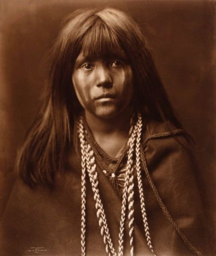 Mosa Mohave girl, 1903. Native Americans By Edward S. Curtis,1890s-1900s. Old Pics Archive.