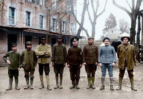 Soldados de 8 nações diferentes na 1ª Guerra Mundial. Foros de fatos.